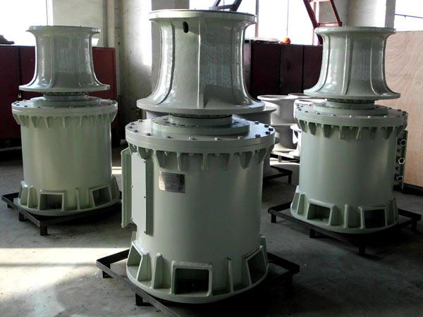 Se vende un cabrestante vertical eléctrico de 8 toneladas