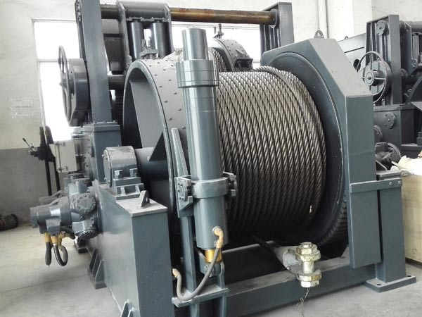 hydraulic towing winches