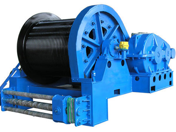 Electric cable pulling winches