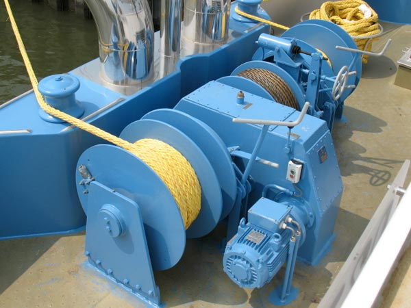 Ellsen drum winches for boats