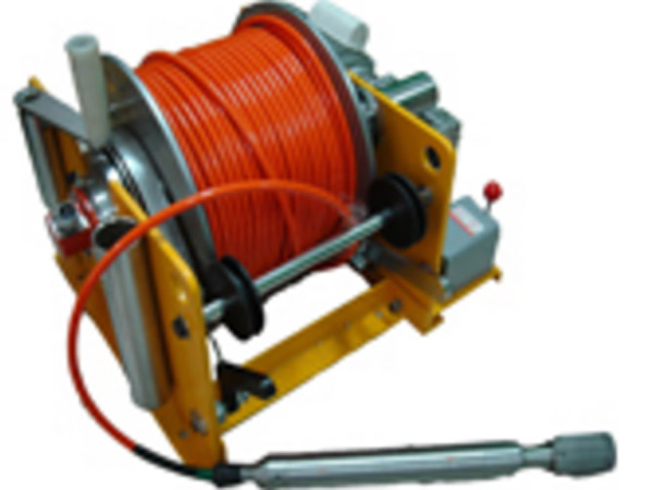Cable pulling winch from Ellsen