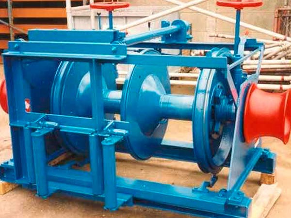 Electric marine winch provided by Ellsen