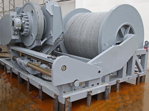 Hydraulic spooling windlass for sale
