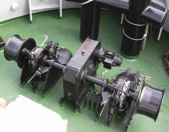 electric deck winch with good quality for sale