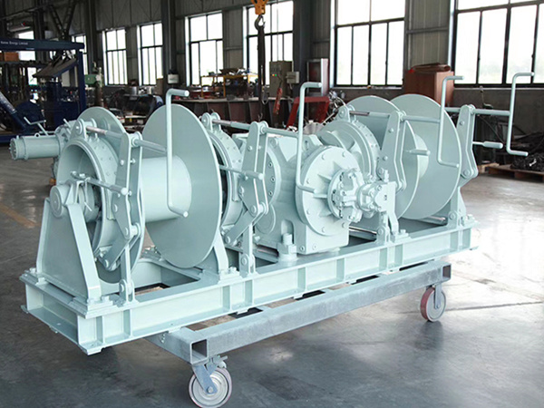 Hydraulic double drum mooring winch for sale