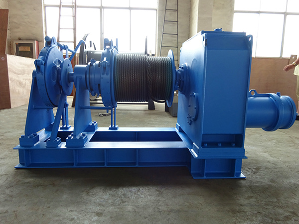 Electric marine winch used on ships